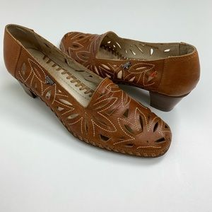 Picolinos Tan Slip on with small heel size 37